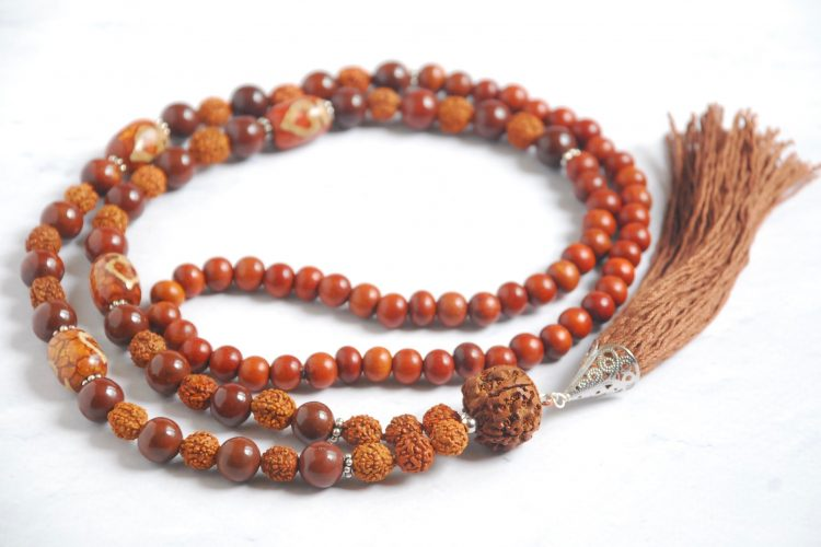 japa mala legno dzi diaspro rosso rudraksha