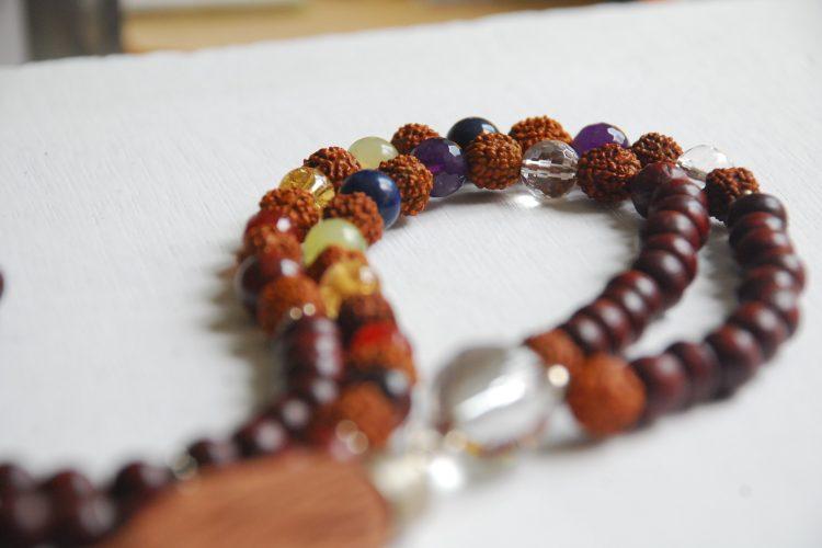 japa mala legno rudraksha chakra