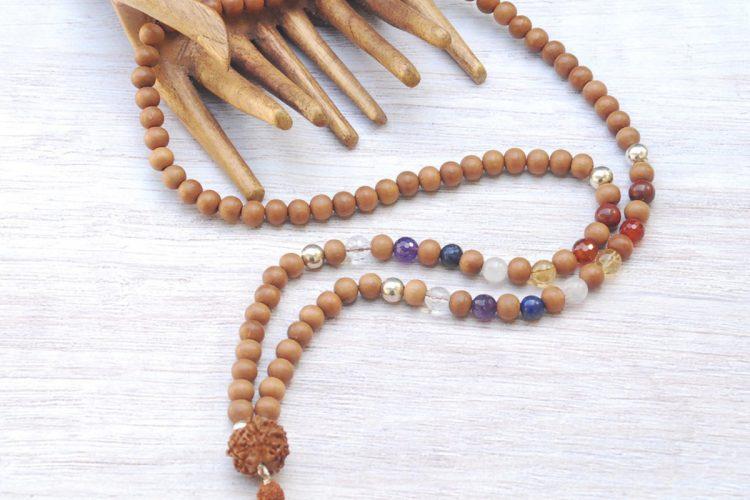 japa mala legno di sandalo pietre dei chakra argento