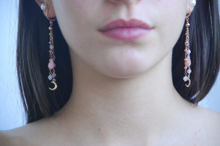 Orecchini luna crescente argento rosa pietre dure