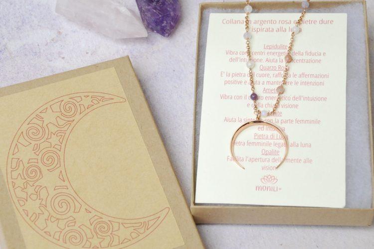 Confezionamento collana argento rosa pietre dure luna crescente